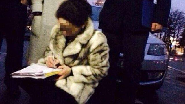 У Києві на хабарі спіймали посадовця Оболонської райадміністрації