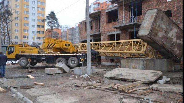 Внаслідок падіння баштового крану в Ірпіні загинув 37-річний чоловік