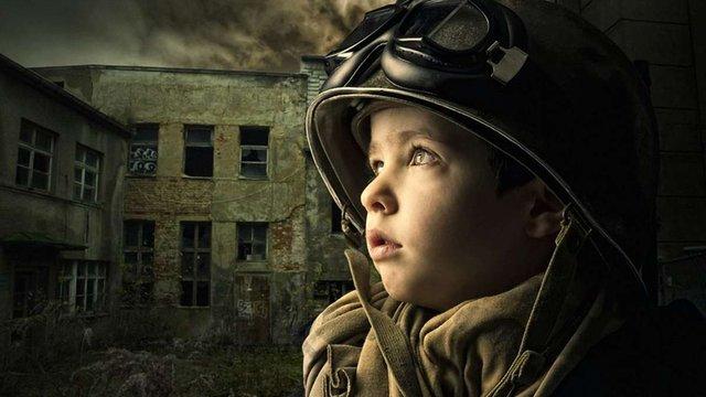 В Криму новонародженим хлопчикам вручили повістки в армію