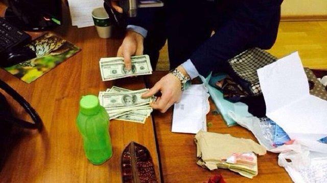 СБУ затримала ректора університету при спробі дати хабара заступникові Квіта