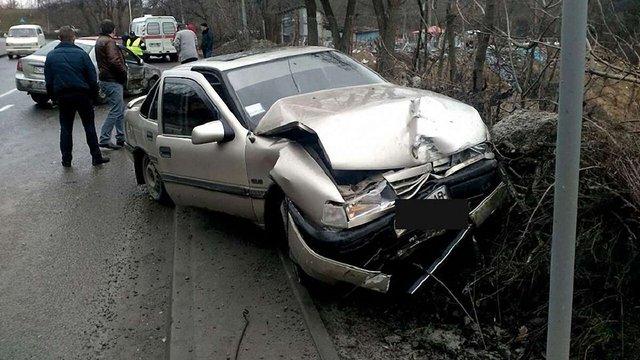 У потрійній ДТП у Львові постраждали двоє людей