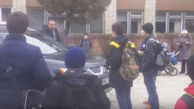 Львівські п'ятикласники затримали водія-порушника ПДР