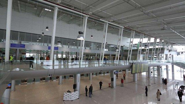 У львівському аеропорту відтепер можна пройти паспортний контроль за 5 секунд