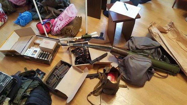 СБУ затримала митника та прикордонника, які заробляли на контрабанді в «ДНР»