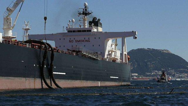 У Європу прибув перший танкер з іранською нафтою