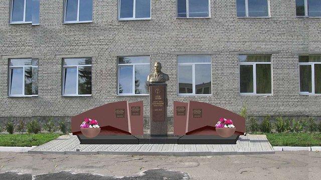 Коло пам'ятника генералу Кульчицькому у Львові встановлять гранітний меморіал