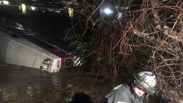 У Каліфорнії потяг зійшов з рейок, 14 поранених
