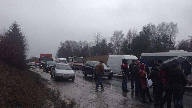 На Тернопільщині активісти перекрили міжнародну трасу М19