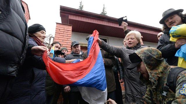 Львівська поліція відкрила кримінальне провадження через спалення прапора Росії