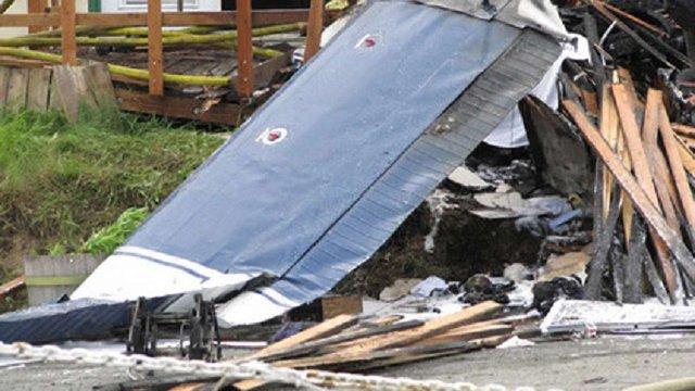 В Болівії загинули семеро людей внаслідок падіння легкомоторного літака на ринок