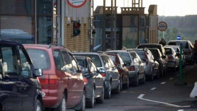 Москаль пропонує збільшити до року термін перебування в Україні авто з іноземними номерами