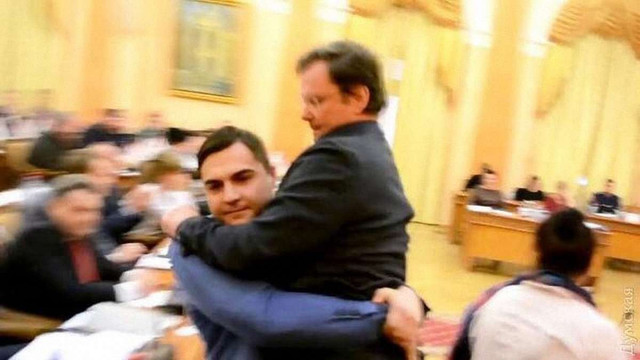 Заступника Саакашвілі Боровика винесли із засідання Одеської міськради на руках