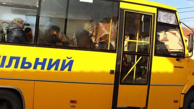 У Винниках шкільний автобус перетворився на громадський транспорт