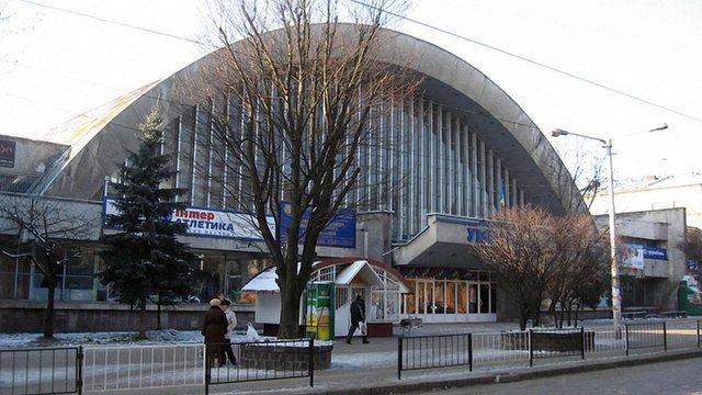 У Львові нелегальний покерний клуб діяв у палаці спорту «Україна»