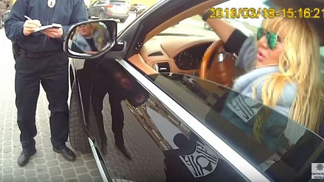 Викладачка ЛНУ імені Франка, яка порушила ПДР, погрожувала поліцейським