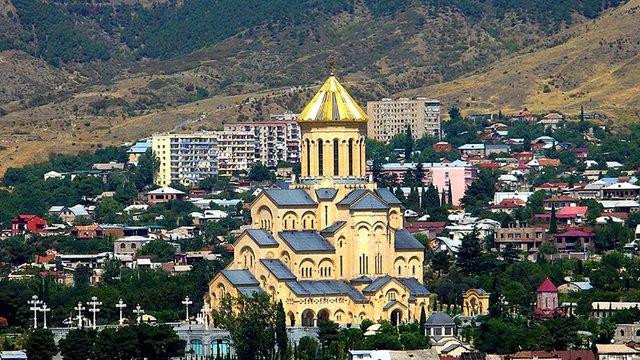 У Тбілісі сталася пожежа у кафедральному соборі Грузинської православної церкви