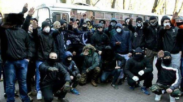 Відповідальність за сутички з ЛГБТ-активістами взяли на себе радикали, пов'язані з «Азовом»