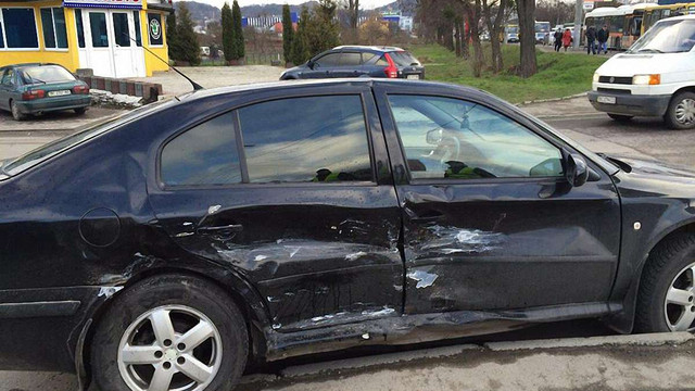 Винуватець ДТП у Львові залишив машину і втік з місця події