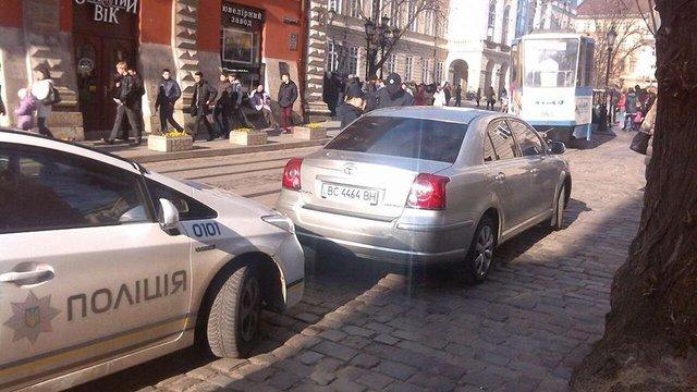 Поліція оштрафувала водія мера Львова