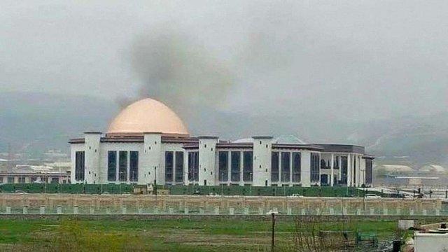 У будівлю парламенту Афганістану влучила ракета