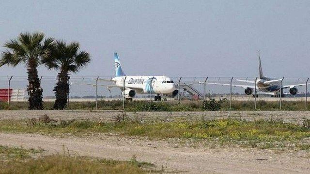 На Кіпрі поліція арештувала викрадача літака EgyptAir
