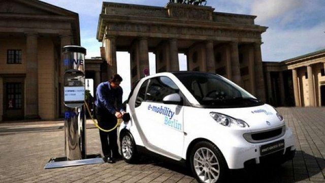 У Німеччині за придбання електромобілів доплачуватимуть до €5 тис.