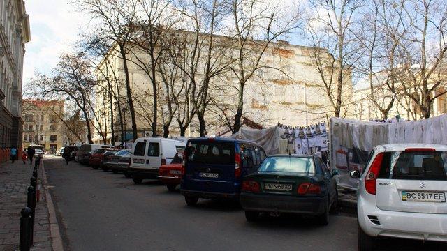 У центрі Львова облаштують закриту парковку на понад 70 автомобілів