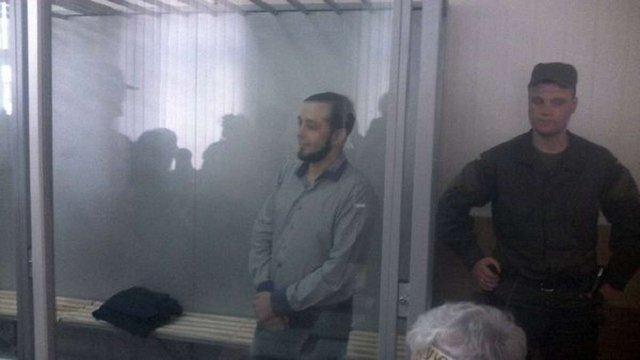 Суд засудив на 4,5 роки вінницького активіста, який порвав портрет Порошенка
