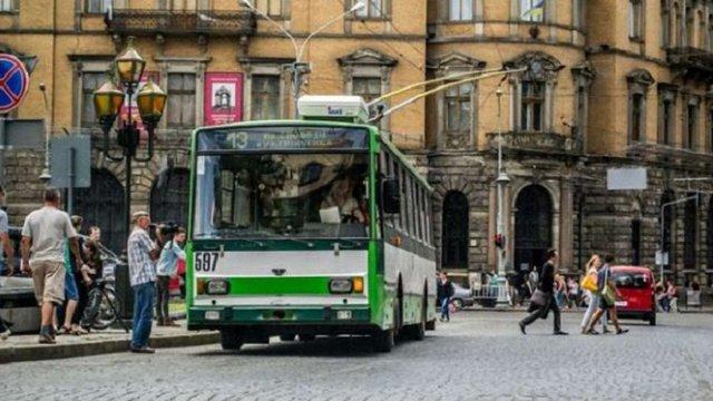 У тролейбусах №13 встановлять гучномовці для незрячих