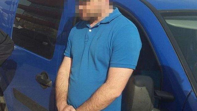 На Буковині керівник поліції та офіцер СБУ за хабарі покривали контрабанду