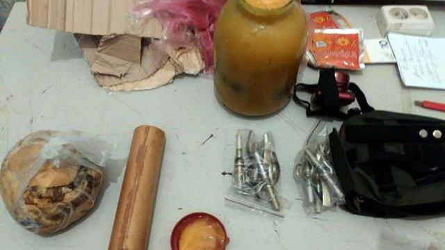 Військовий намагався відправити із зони АТО гранати у банці з медом