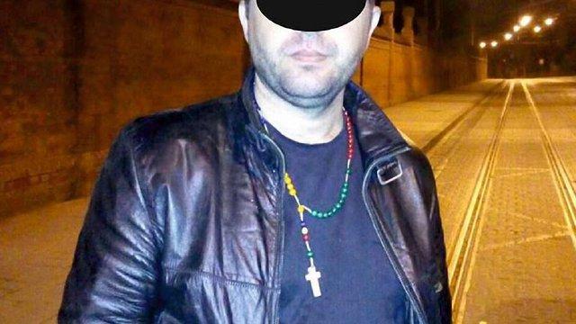На Личаківському цвинтарі затримали чоловіка, який вкрав рушник з могили