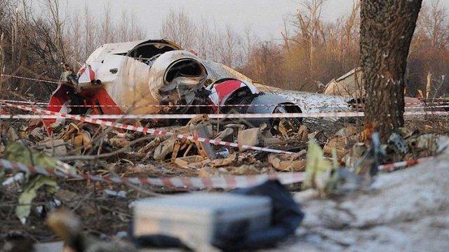 Міністр оборони Польщі назвав фальсифікацією звіт про авіакатастрофу під Смоленськом