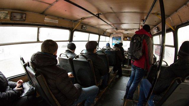 З 15 квітня перевізники обмежать поїздки пільговиків в обласних маршрутках