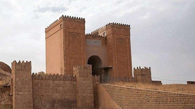 Бойовики «Ісламської держави» зруйнували стародавні «ворота Бога» в Іраку