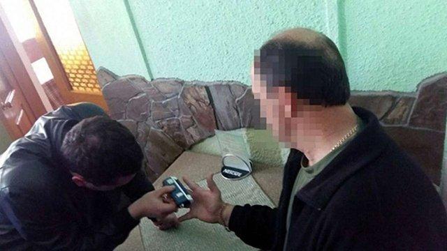 Депутата Городоцької міськради затримали на хабарі у $3700