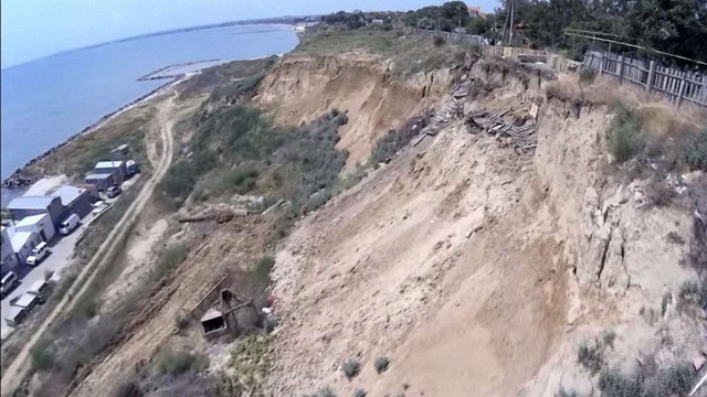 На Одещині сільський голова привласнила ₴2,7 млн, виділені на укріплення берегів Чорного моря