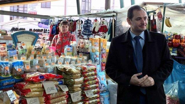 Мер Івано-Франківська хоче обмежити доступ іноземців до міського ринку