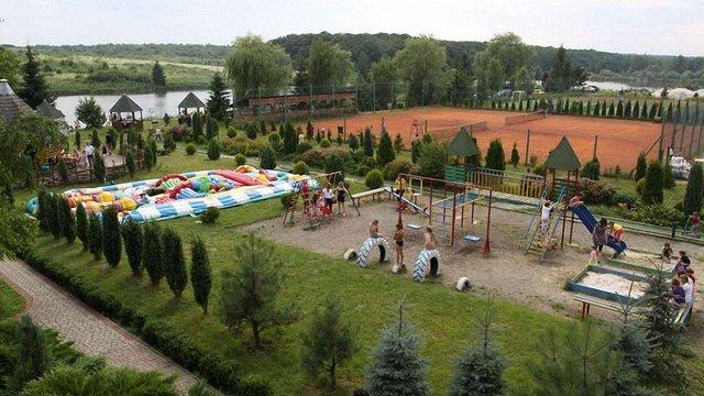 На відпочинковій базі на Львівщині отруїлися 22 дітей та 11 дорослих