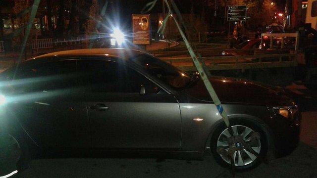 У Львові п'яний водій катався на BMW з «посвідченням» прокуратури на склі