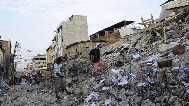 Кількість загиблих внаслідок землетрусу в Еквадорі перевищила 400