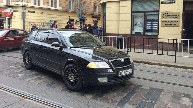 У центрі Львова водій легкового автомобіля збив жінку