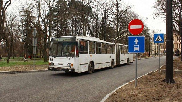 У Львові відкриють проїзд приватного транспорту через площу Юра