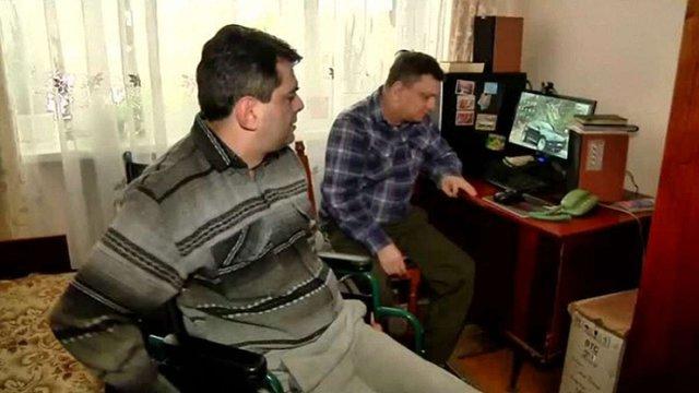 У Львові брати-інваліди збирають кошти на мобільний підйомник