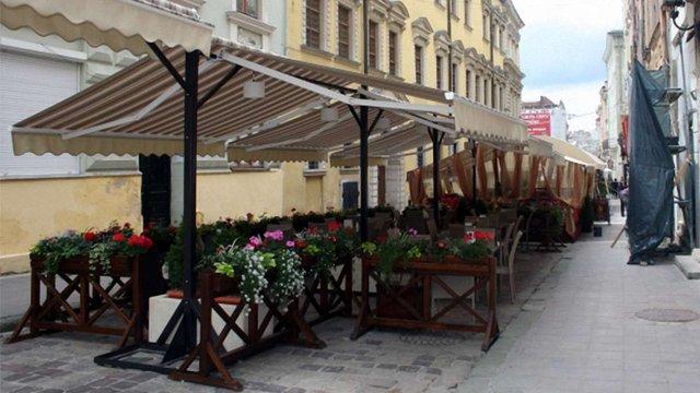 У Львові спростили процедуру демонтажу незаконних літніх майданчиків