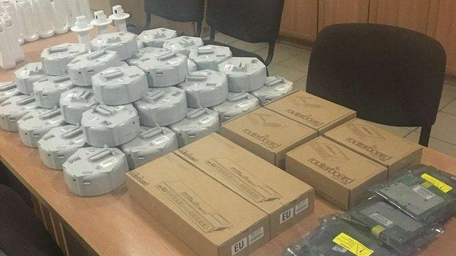 Львівські митники вилучили партію контрабандного Wi-Fi-обладнання