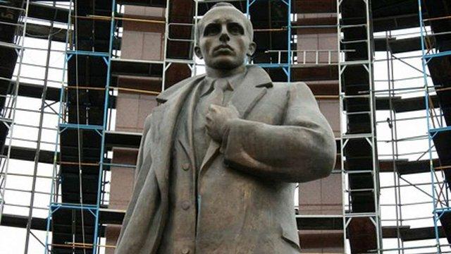 Львівська міськрада у 2016 р. завершить реконструкцію площі біля пам'ятника Бандері