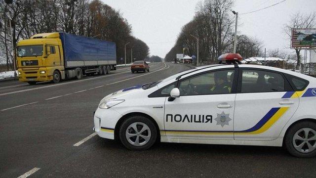 На дорогах Львівщини посилять поліцейські патрулі