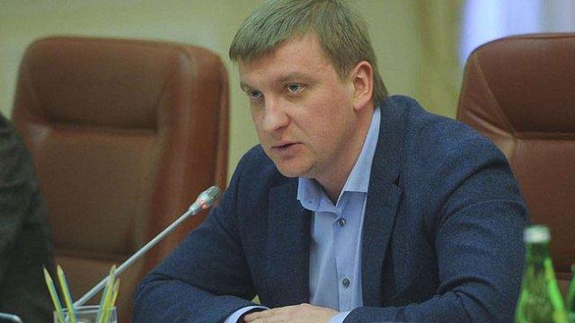Мін'юст хоче викреслити важкі злочини з «закону Савченко»