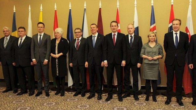 Голови МЗС 12 країн Європи закликали негайно ввести безвізовий режим з Україною